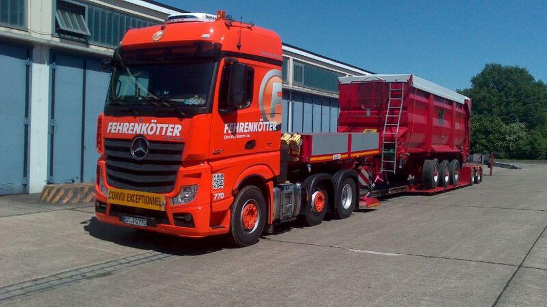 Ganz und zu Extrem Fehrenkötter Transport & Logistik GmbH: Landmaschinen-Transporte @CZ_33